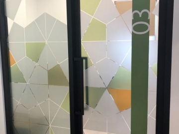 Translucent window graphics (PG349)