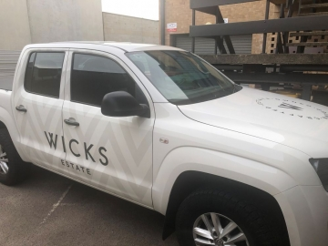 Wicks vehicle graphics (VG525)