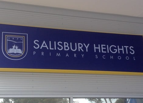 School signage, Salisbury Heights